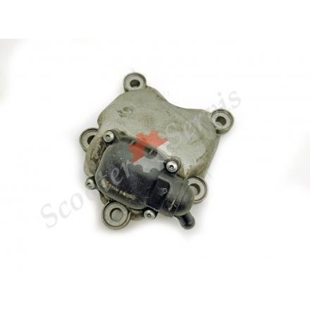 Кришка головки блоку циліндрів, сапун масляний Aprilia SR Max 125/300, каталожний номер 829534, 828421