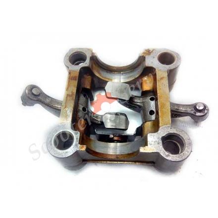 Пенал рокеров, рамка распредвала с рокерами, двигатель GY6, китайские скутера, 125-150 кубов, Б/У