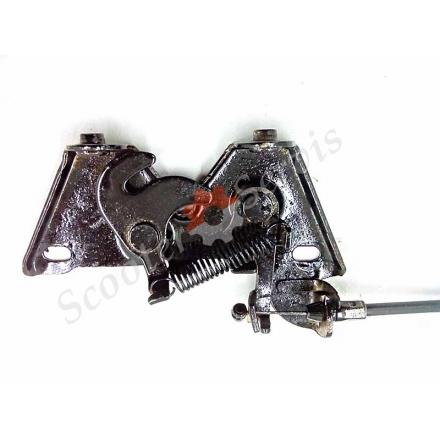 Механізм замка бардачка під сидінням тип Навігатор